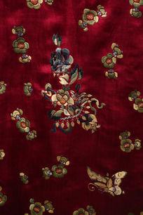清代咸丰紫红缎衣服梅花蝴蝶图案