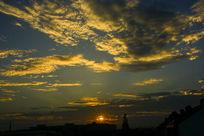 金色的云层