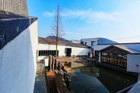 蓝天下的绩溪县博物馆