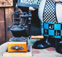 老式木质手摇榨汁机