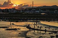 休宁横江河