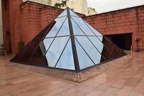 三角形建筑