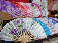 传统花卉纸扇