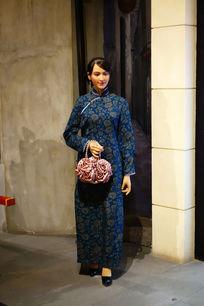 民国武汉商铺旗袍女人蜡像