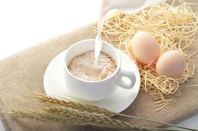 营养麦片添加牛奶