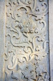 藏传佛教建筑上的石雕花