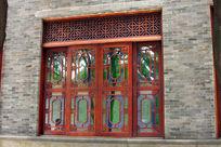 传统雕花窗户