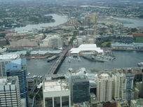 城市与河流的交织