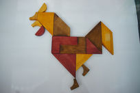 中国传统七巧板拼字生肖鸡