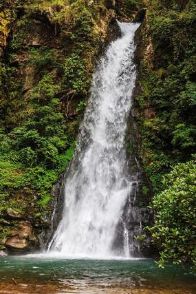 瀑布青山绿水绿色森林