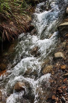 井冈山挑粮小道出发地溪流瀑布