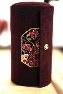 蜀绣传统图案手包