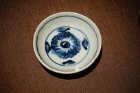 青花花卉陶碗