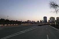 城市马路夜景