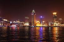 灯火辉煌的上海黄浦江夜景