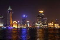 黄浦江夜晚的灯光