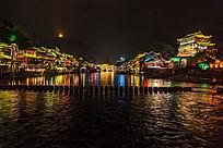 湘西凤凰古镇的夜色沱江