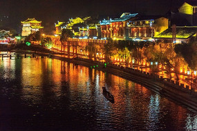 湘西凤凰古镇沿江建筑夜景