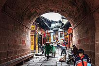 凤凰城古楼拱门通道