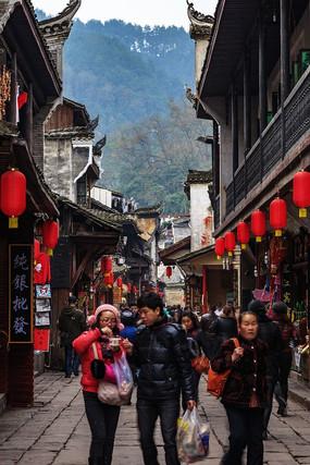 凤凰古城的游客