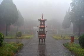 雨中黄华觉仁寺