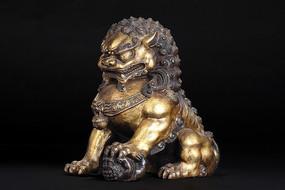 铜鎏金狮子