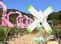 欧式婚庆布置的风车装饰