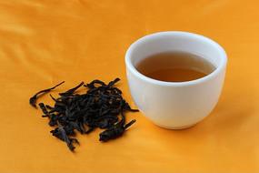 大红袍茶叶与茶汤