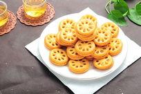 一大盘凤梨酥饼干