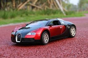 跑道上的汽车