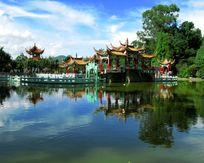云南新平龙泉寺风景