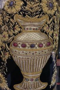 花瓶图案木雕