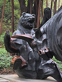 熊和牛雕塑
