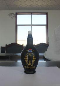 三十窖藏黑色酒瓶高端品质古典花纹