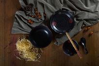 黑珍珠釉陶瓷餐具顶视图