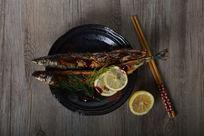 美味香煎秋刀鱼