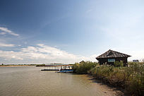 湿地公园水边建筑