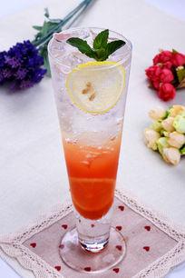 红西柚气泡水