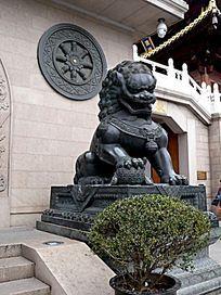 上海静安寺镇邪狮子青铜像
