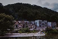 瑶里古镇河边的房子