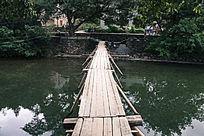 瑶里古镇小木桥