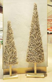 两棵树主题的雕塑艺术