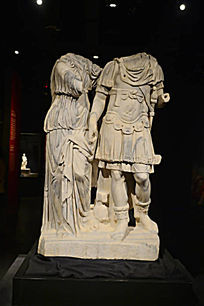 古罗马卫士无头石像