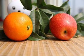 橙色桔子红苹果