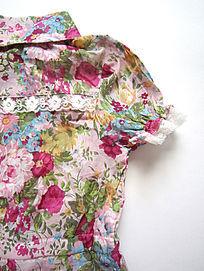 女童花卉图案T恤