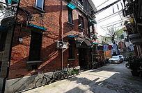 上海特色红砖建筑横构图