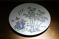 白地山竹蝴蝶图案瓷盘