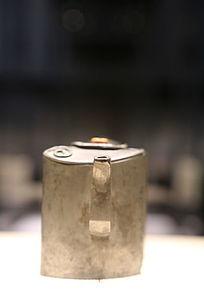 清朝錾字画书券式执锡壶