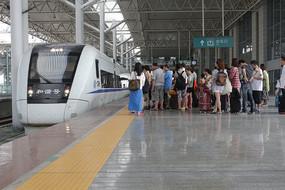 温州动车站站台一角