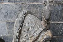 乌龟和蛇的雕塑